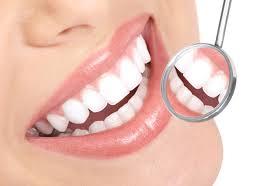 Solutie naturala de albire a dintilor