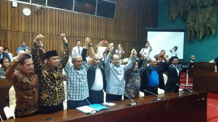Pembentukan DPR Tandingan Awal Kehancuran KonstitusiPembentukan DPR Tandingan Awal Kehancuran Konstitusi Indonesia