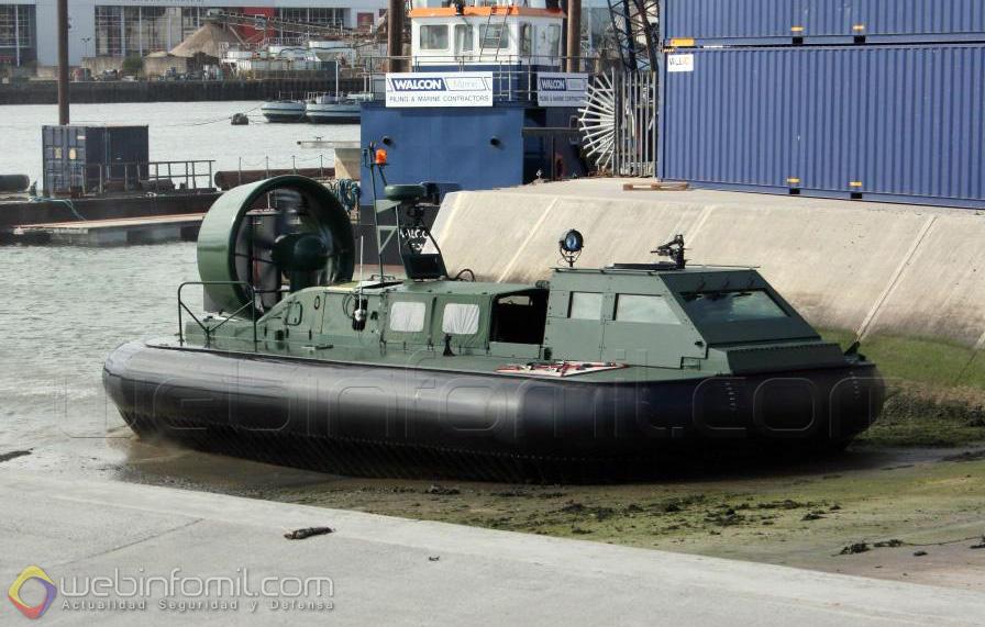 El séptimo Hovercraft 2000TD de la Armada de Colombia en pruebas en las instalaciones de Griffon Hoverwork en Southhampton, Inglaterra.