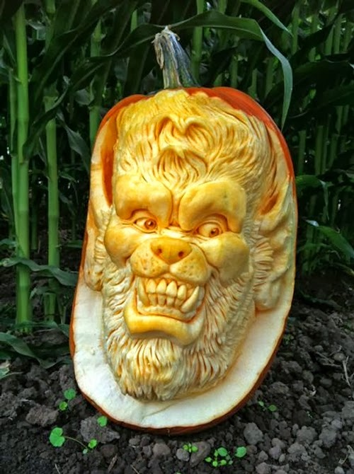 09-Halloween-The-Pumpkins-Villafane-Studios-Ray-Villafane-Sculpting-www-designstack-co