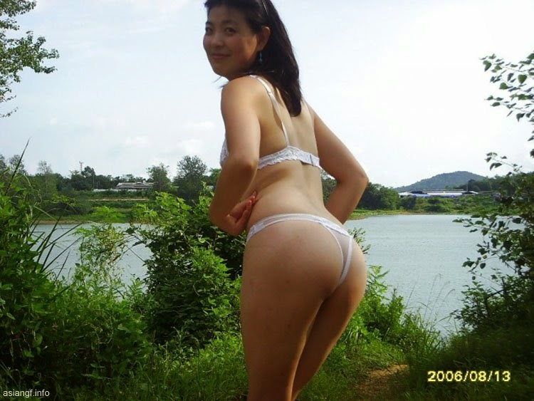 chinese milf in nude image