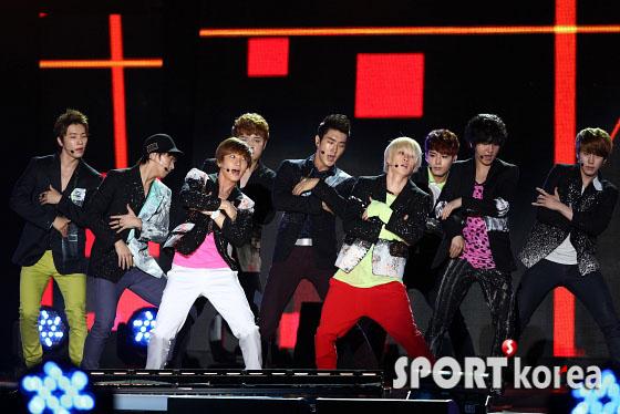 Super Junior ♥  Super+Junior+2011+Incheon+Korean+Music+Wave