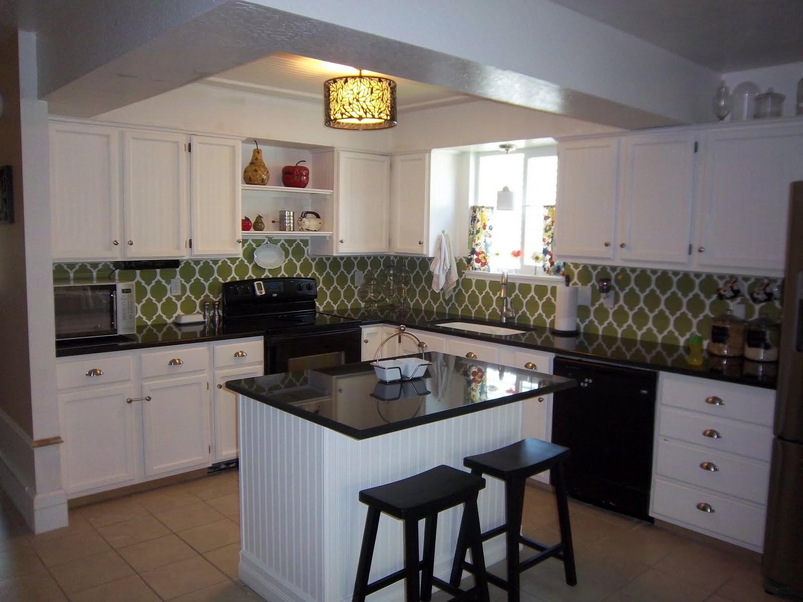 Remodelaholic kitchen remodel on a budget for Kitchen remodels on a budget photos