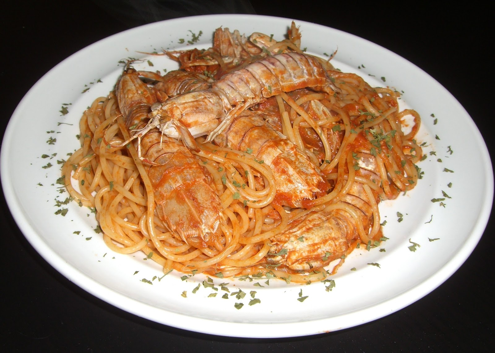 spaghetti con le canocchie o cicale di mare squilla mantis