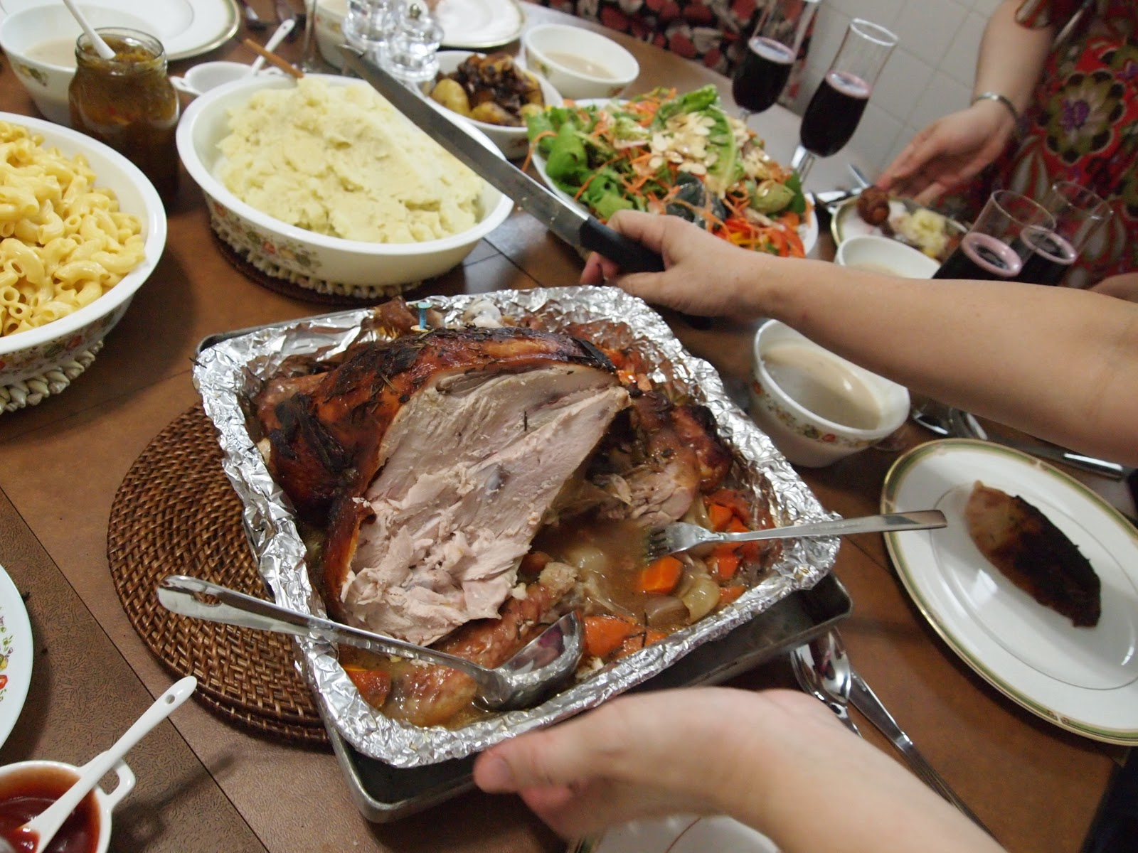 we have our turkey simple without stuffing as i always feel stuffed after having turkey with stuffing which then leaves my poor tummy no room for all the - Simple Christmas Dinner