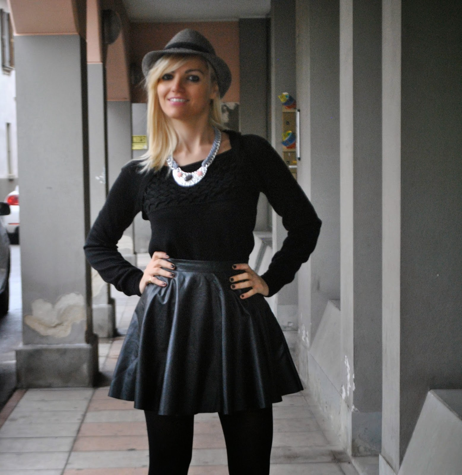 outfit nero total black outfit outfit gonna di pelle nera outfit black leather skirt outfit maglione nero marella collana majique in catena majique london necklace majique cappello grigio pimkie abbinamento leggings e gonna come abbinare la gonna in pelle come abbinare i leggings outfit novembre 2014 outfit cappello grigio outfit mariafelicia magno mariafelicia magno fashion blogger fashion blog italiani fashion blogger italiane fashion blogger bionde fashion blogger milano ragazze bionde italian girl blondie blonde hair blonde girl colorblock by felym