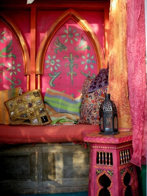 Eye for design decorating moroccan style elegant and for Moroccan house design