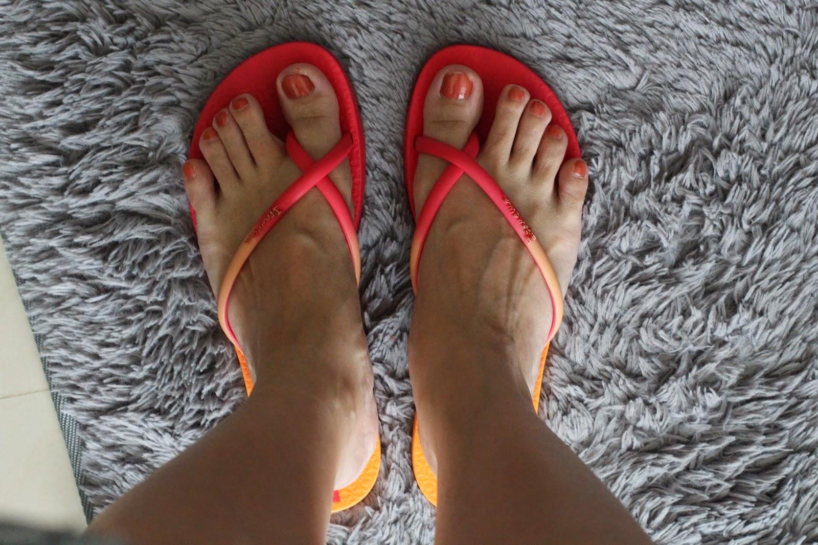 夏日霓虹交叉帶人字鞋
