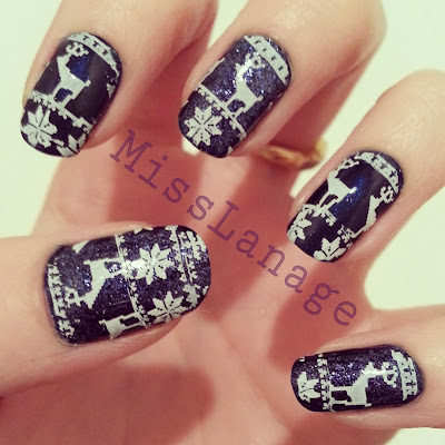 british-blogging-christmas-guest-post-blue-christmas-jumper-manicure