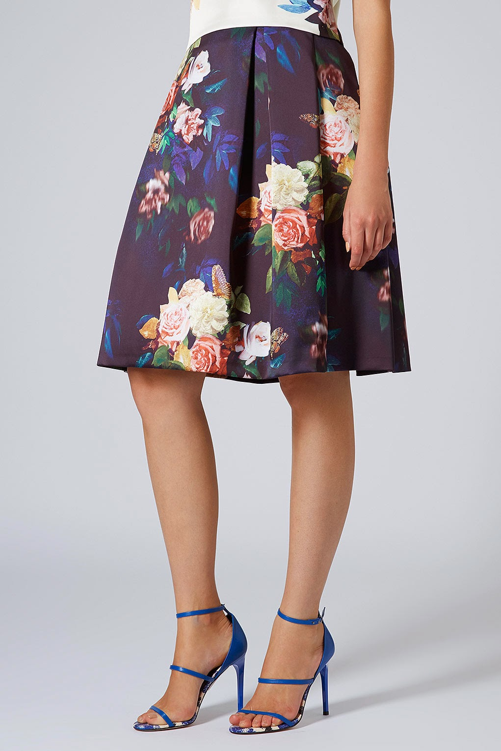 navy flower skirt