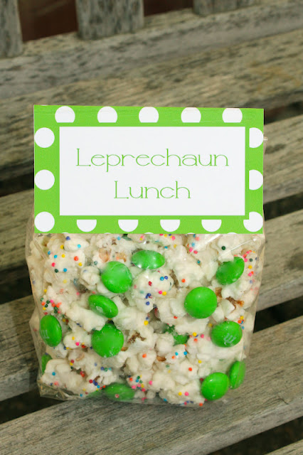 recipe and printable for a cute St. Patricks Day dessert