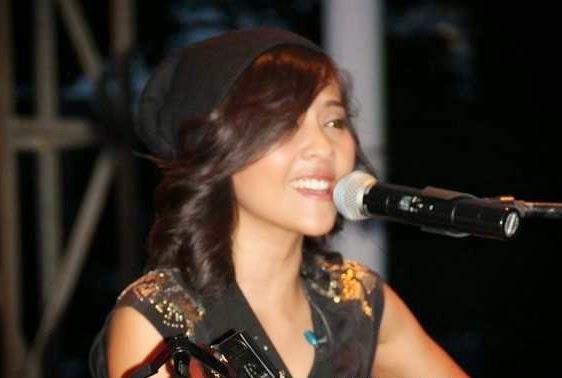 Penyanyi Lala Karmela