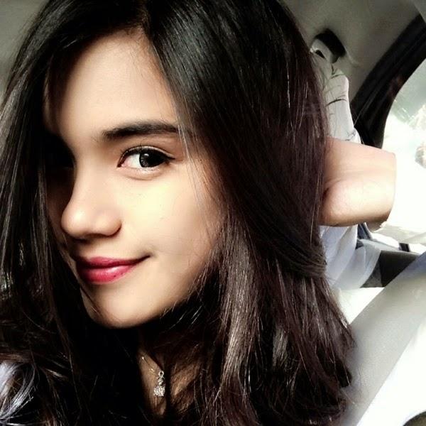 Gaya MakeUp Cantik Ala Artis Indonesia Terbaru