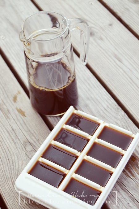 ice latte, ice coffe, chilled coffe drink, islatte, coffee cubes, ice cubes with coffee, black coffee
