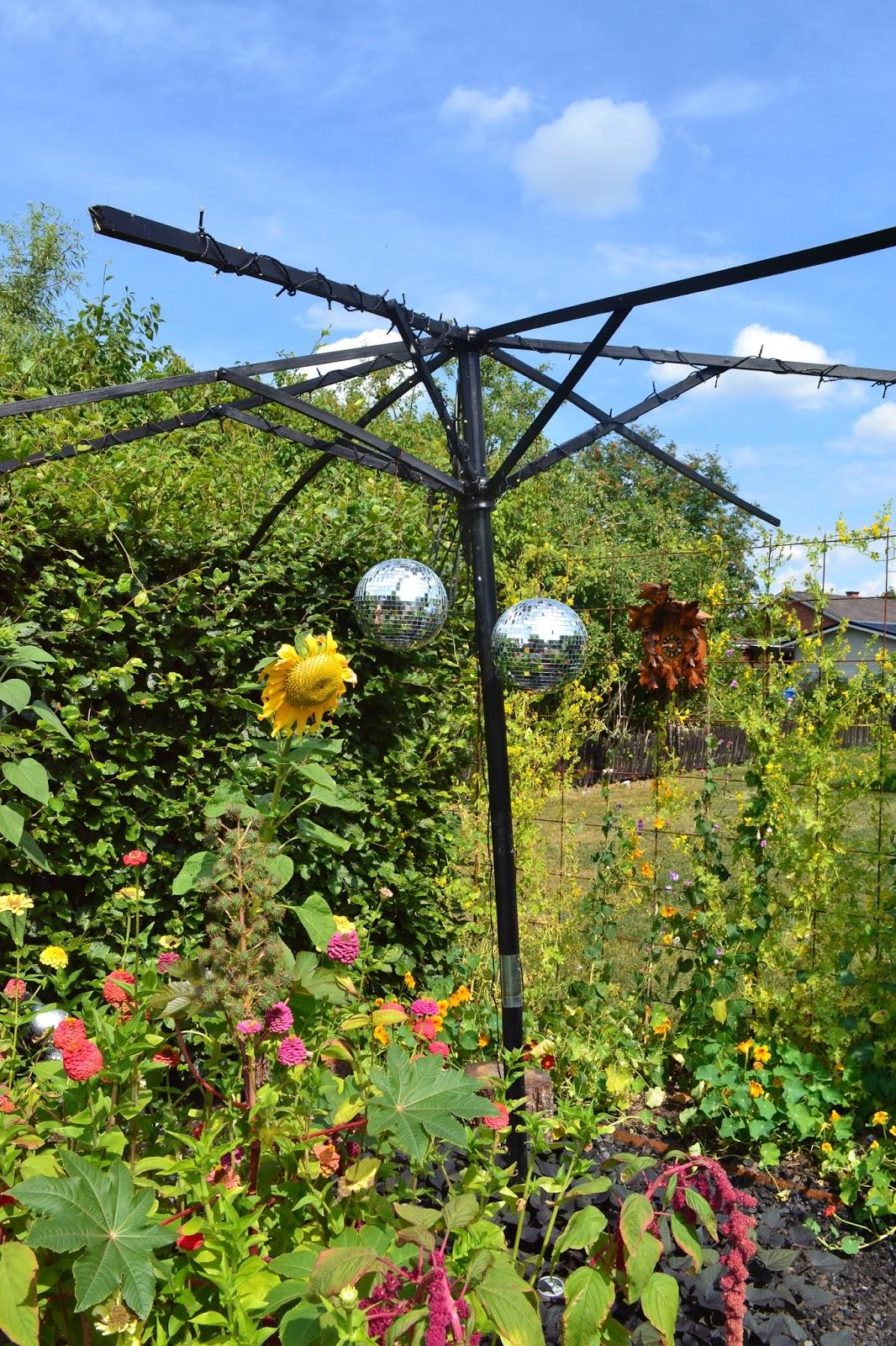 Tittis trädgård: enköpings parker roliga detaljer