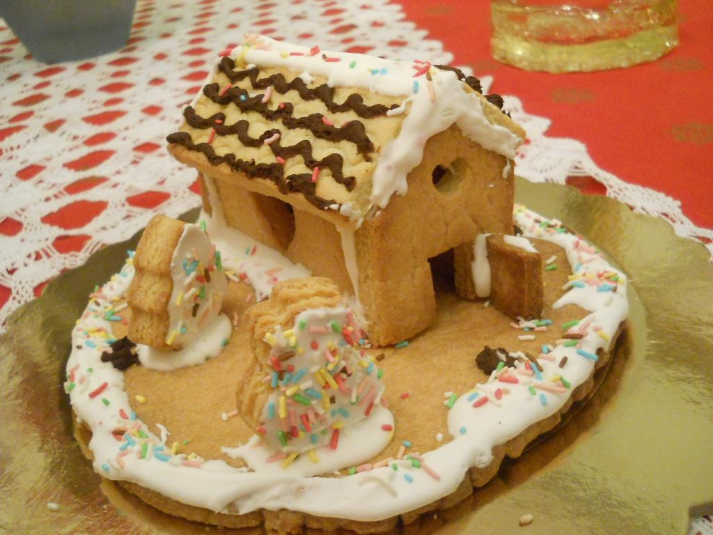 Casetta Di Natale Con Biscotti : Magicmoon la mia casetta di biscotti di frolla