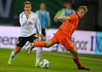Review: Pertandingan Sepakbola Belanda vs Jerman