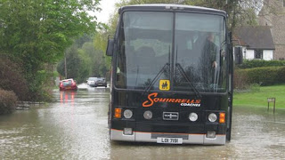 Picture_of_suffolk_bus_flooded_recent_natural_disasters