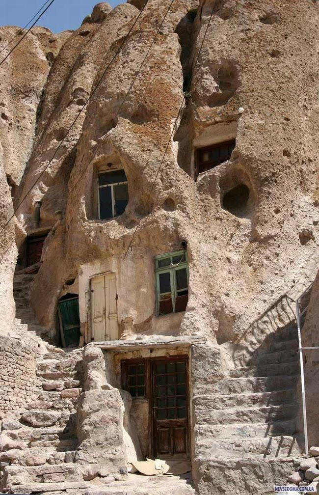 700 Year Old Iranian Home Facts Pod