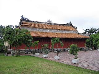 Templo en la tumba Imperial Duc Duc - Hue - Vietnam