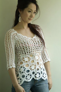 Tejidos Kangél: blusa blanca con flores