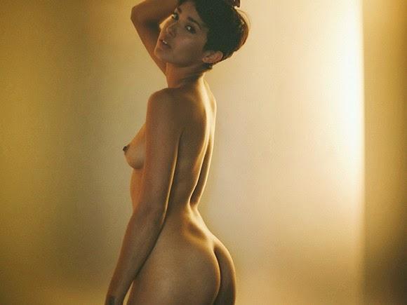 johnnie test grils naked