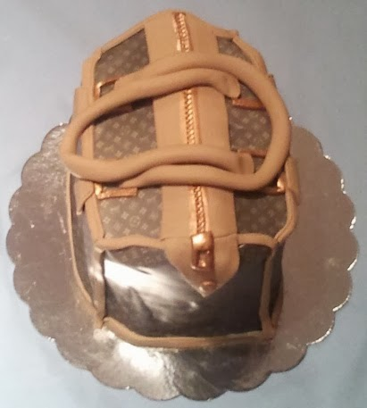 Amazing LV bag cake form top