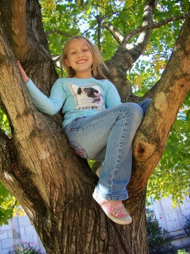 Kids In A Childrens Outdoor Photo Shoot Todays Model Is Madison Who Would Gladly Pose All Day Long If I Just Stand There