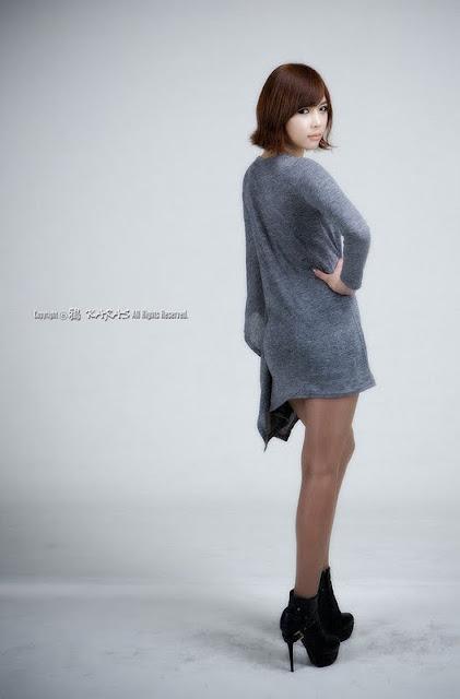 Kim In Ae Sexy in Grey Dress