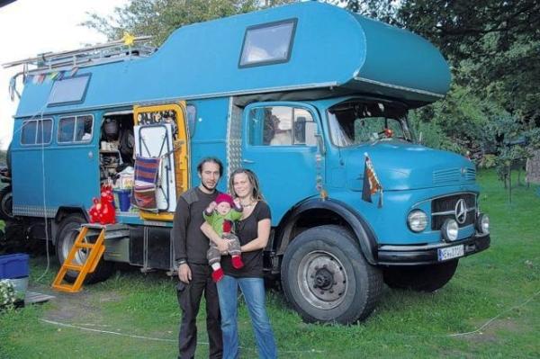 le camping car passe partout camion 4x4 camping car. Black Bedroom Furniture Sets. Home Design Ideas