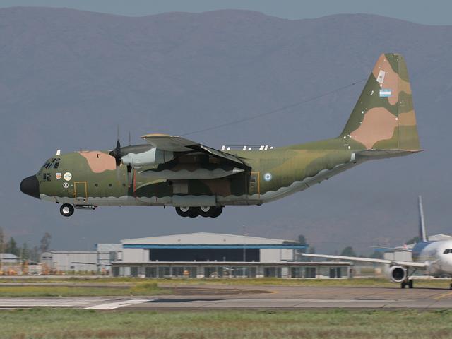 foto avion militar: