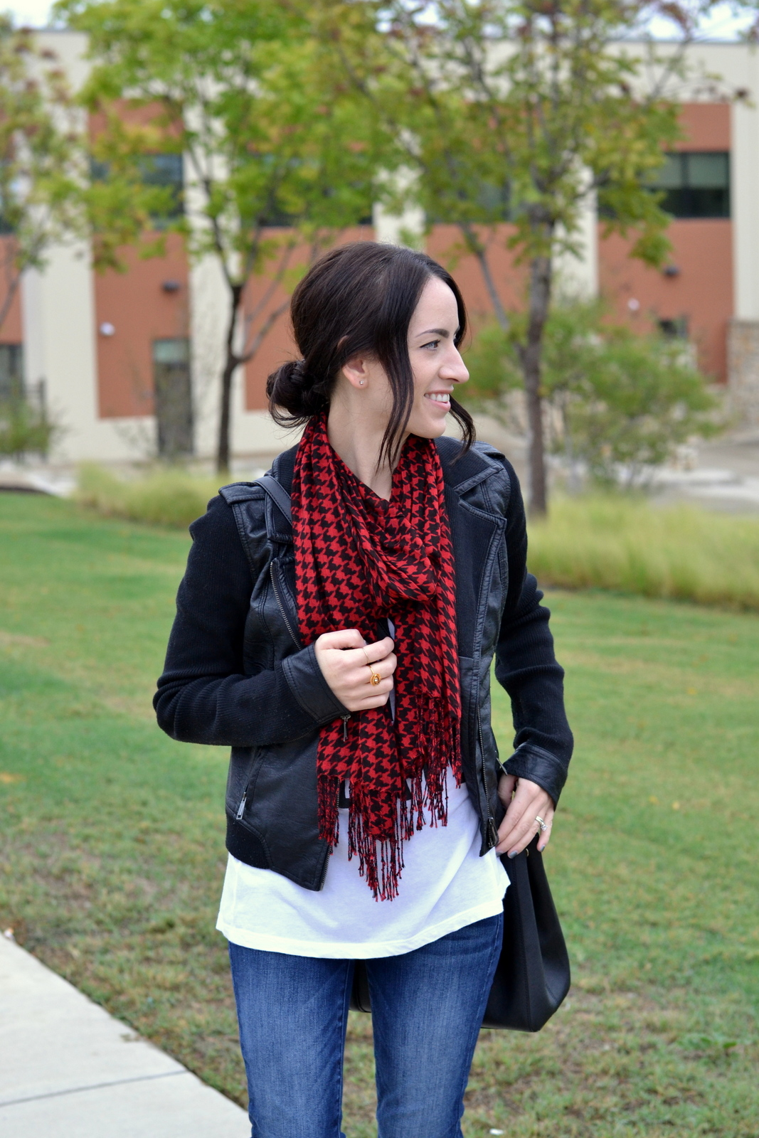 Houndstooth_Scarf_Low_Bun