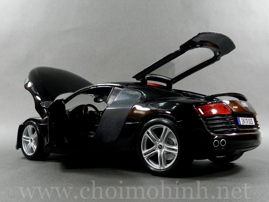 Audi R8 1:18 Maisto door