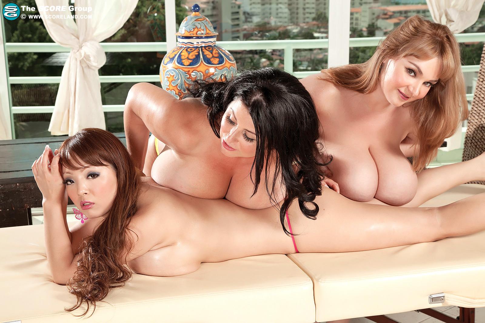 porno-lesbiyanki-aziatki-s-bolshimi-siskami