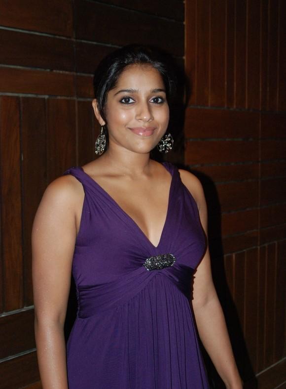 Tamil Actress Rashmi Gautam Hot Photo Stills Gallery navel show