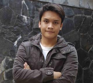 Foto Randy Pangalila - Bintang Film Ganteng Indonesia | Saraung Blue ...