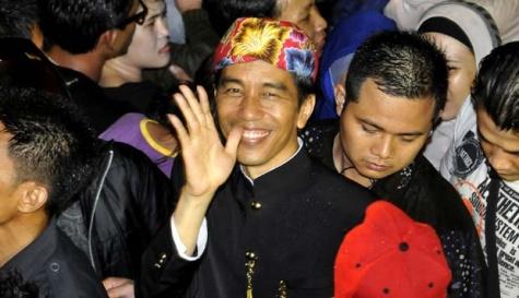 http://1.bp.blogspot.com/-YYr-_GoZhZI/UWDPZgG9OuI/AAAAAAAADrs/VW6rKrqLme8/s1600/Jokowi+CFN+2013+ke-2.jpg