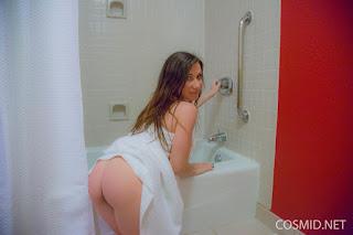 Hot ladies - rs-0007-735312.jpg