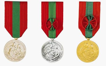 Medailles de La Famille Francaise
