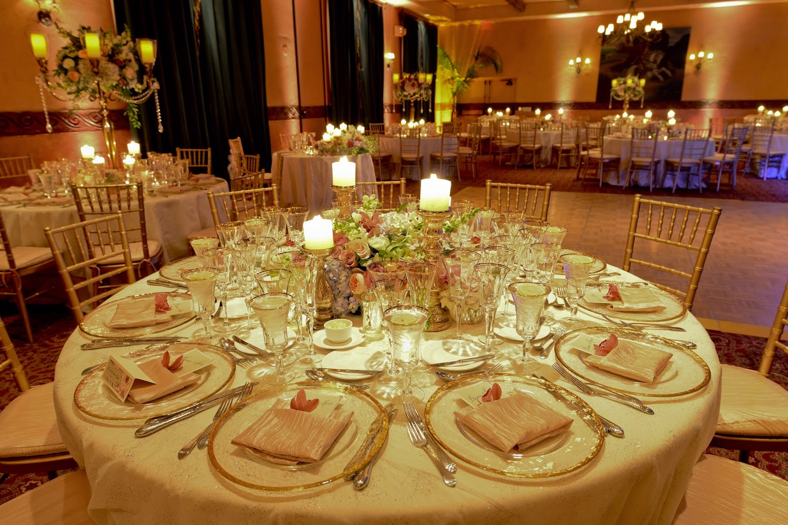 Wedding centerpieces with candles and flowers best