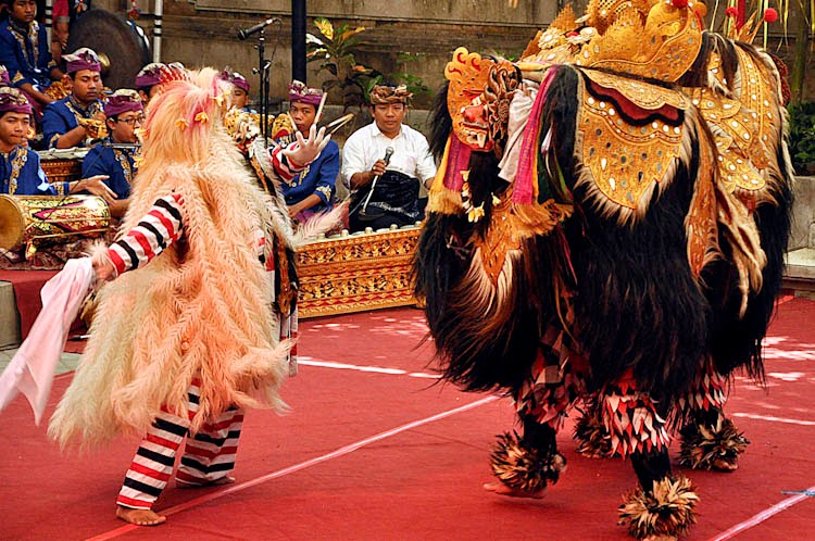 Barong dance, Holiday in Bali, balinese art, balinese culture, wayang, temple, pura, bali dance, hindu bali, adventure