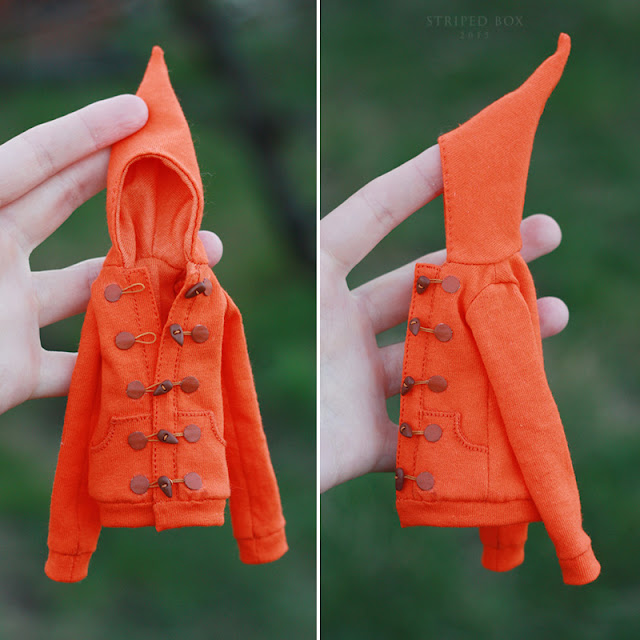 Hoodie for a doll 1/6