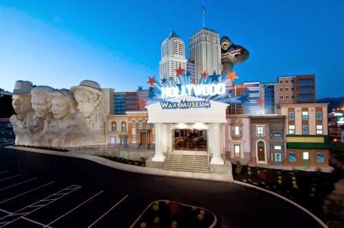 pigeon forge, wax museum, things to do