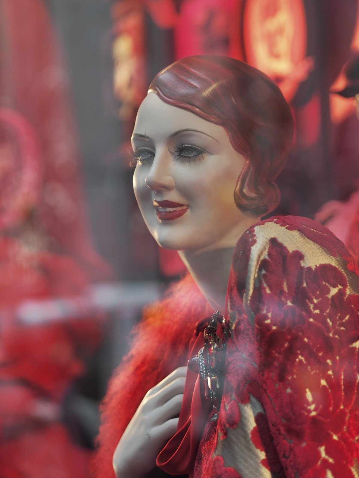 Red Head #redhead #bgwindows # #holidaywindows #5thavenuewindows #NYC  #holidays #besttimeoftheyear #nyc ©2014 Nancy Lundebjerg