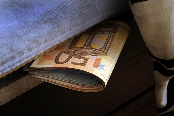los peores lugares para guardar tu dinero en casa todo