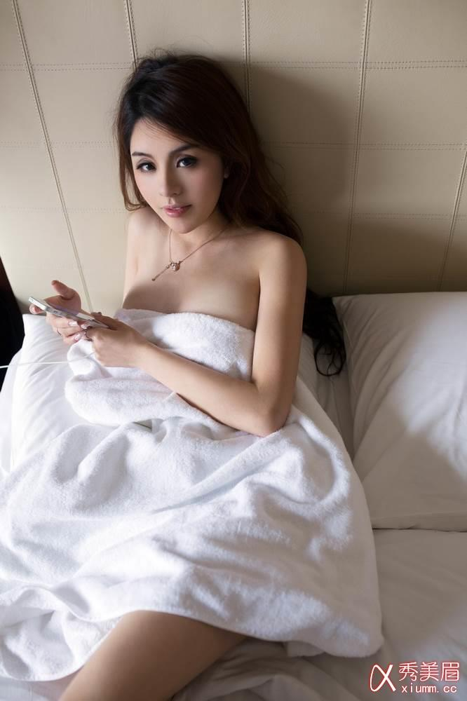 Asia Nude Daily 24