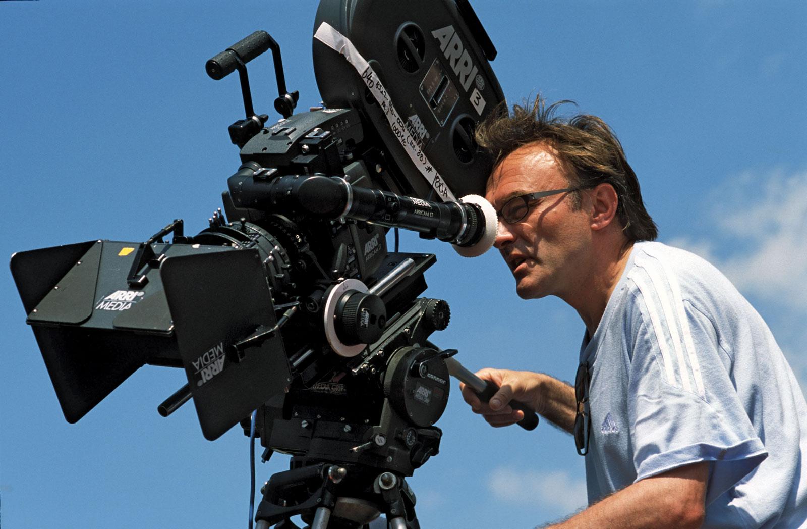 Mükemmel adam nasıl oluşturulur - aktörler ve filmin komplo