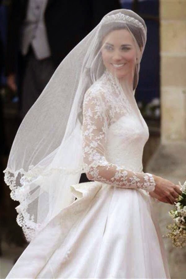 Mode sty the royal treatment for Princess catherine wedding dress