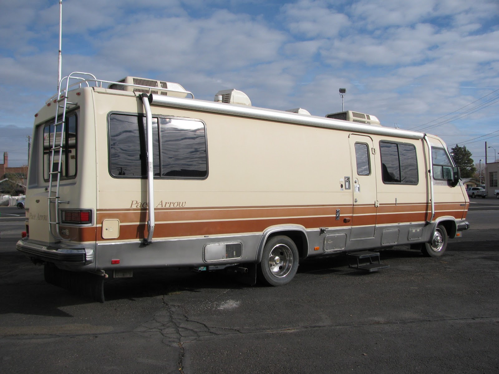 1988 Pace Arrow For Sale http://timemachinescollectableautos.blogspot.com/2012/11/1988-pace-arrow-laganza-32-ft-454-chevy.html