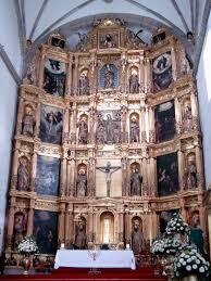 El altar de la iglesia de San Bernardino y el Iztaccíhuatl